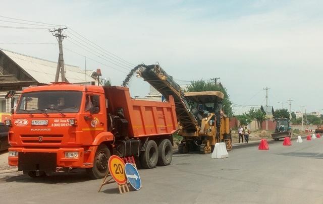 Волгоградцы обеспокоены срезанием с городских улиц нового асфальта
