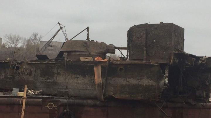 В корме поднятого из Волги бронекатера обнаружены останки девяти моряков