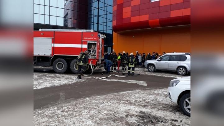 Вслед за ТЦ в Поморье проверят больницы и школы