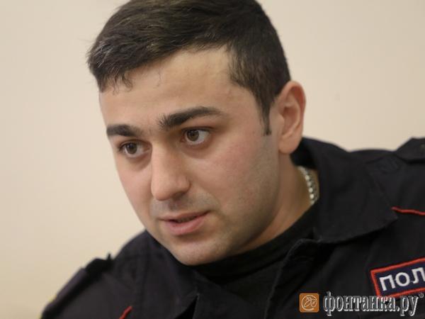старший лейтенант Руслан Сентемов