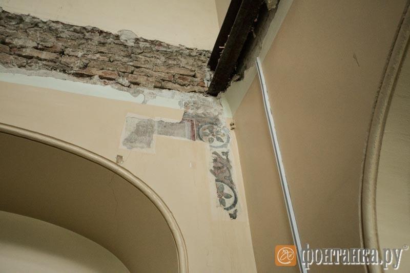 Историческая роспись церкви, обнаруженная под штукатуркой