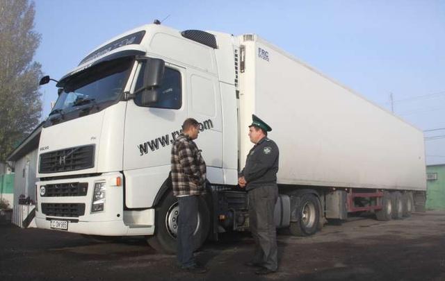 В Ростовской области на границе перехватили 17 тонн мяса птицы