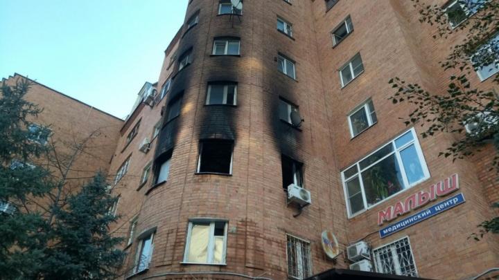 Полицейский и очевидец спасли пятерых тюменцев, задыхающихся в горящем доме