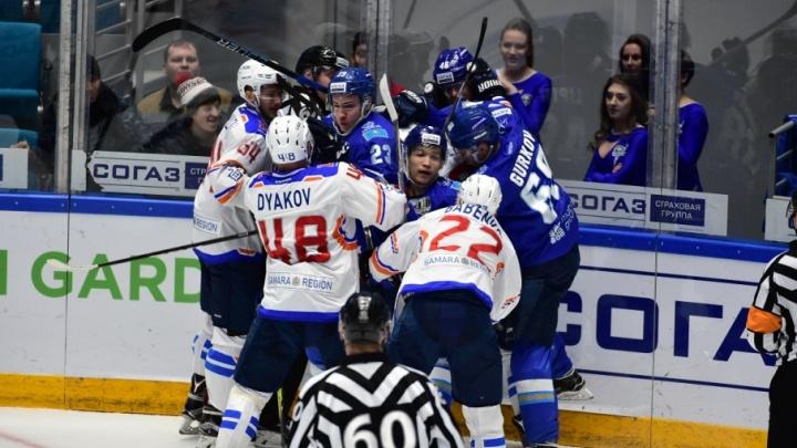 Тольяттинская «Лада» уступила хоккейной команде из Астаны — 3:4