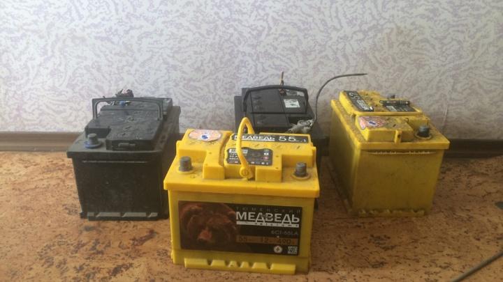 Кража автоаккумулятора в «Парковом» попала на видео