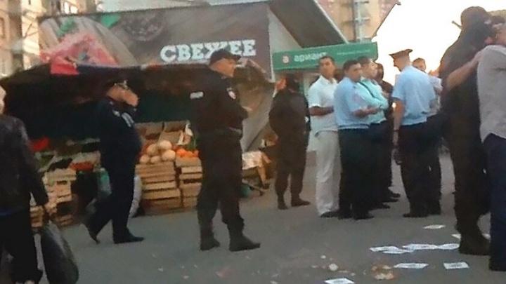 «Всё ради безопасности»: ОМОН вывез с рынка на северо-западе Челябинска 28 мигрантов
