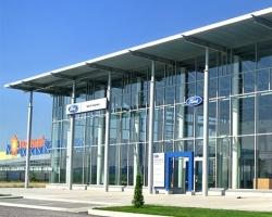 «Адонис Центр» с шиком встречает покупателей Ford