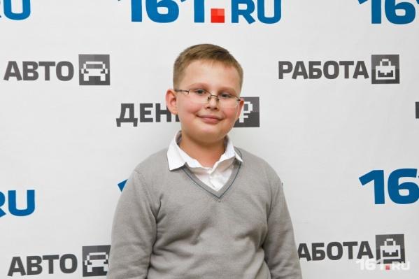 Миша Попов считает, что претензии нужно предъявлять учителям гимназии из Нового Уренгоя.