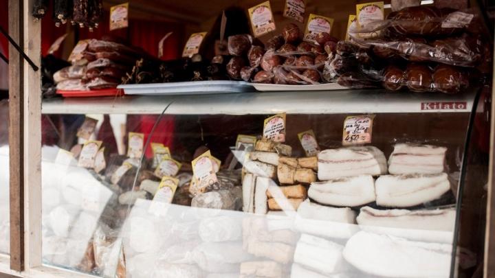 Ярославский магазин распродал полцентнера мяса неизвестного производства