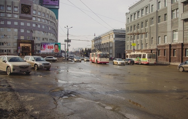 Дороги на гостевых маршрутах Челябинска отремонтируют на полмиллиарда рублей
