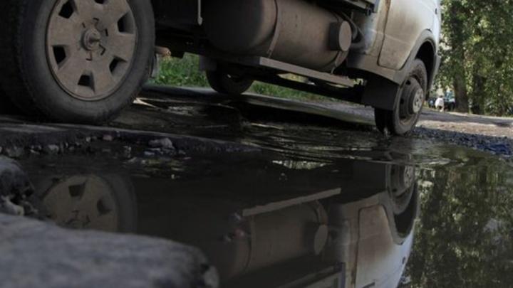 Размытую ливнями дорогу в Вилегодском районе восстановят до конца недели