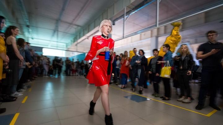 Гостей встречал Энди Уорхолл: в Челябинске прошла вечеринка Much Weekend