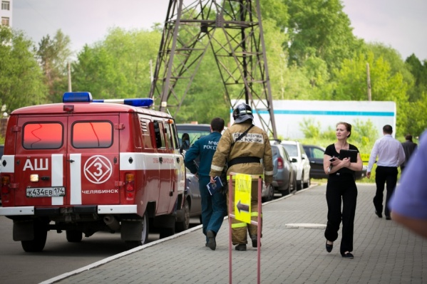 Из-за угрозы взрыва на место прибыли экстренные службы