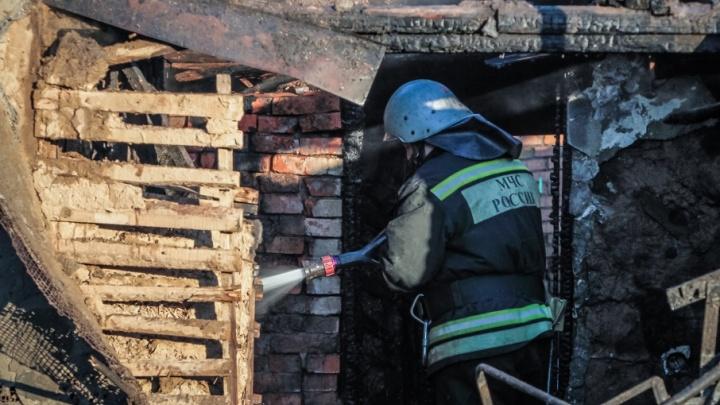 Отомстил: дончанин сжег дом, из которого его выгнали хозяева