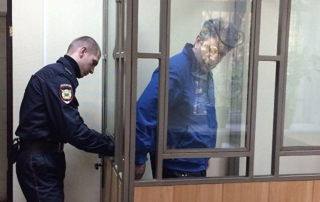 Обещал узаконить незаконное: помощника члена Совета Федерации осудили за мошенничество в Ростове