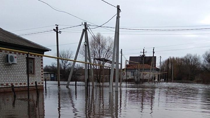 Жителям тонущих домов в Волгоградской области начнут давать компенсации с понедельника