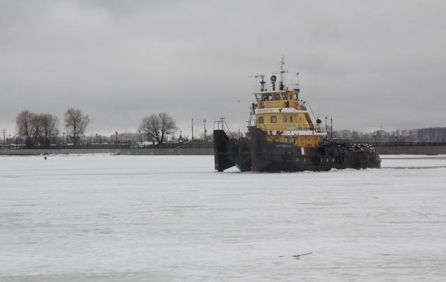 В Ярославле вскрыли лед на Которосли