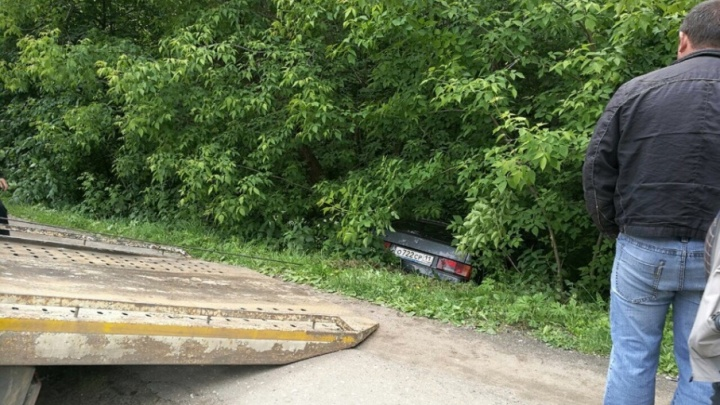 Чудом остался жив: в Ярославле водителю стало плохо за рулём