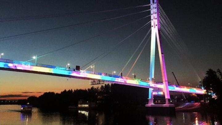 По будням модная подсветка на мосту Влюбленных будет работать в экономрежиме