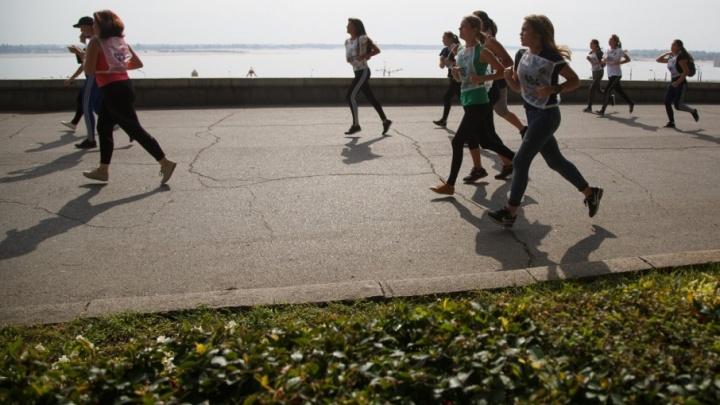 Волгоградцев зовут пробежать ежегодный марафон на новой Продольной магистрали