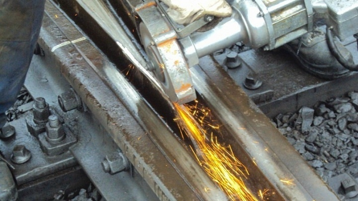 В Онежском районе начался капитальный ремонт железнодорожного моста