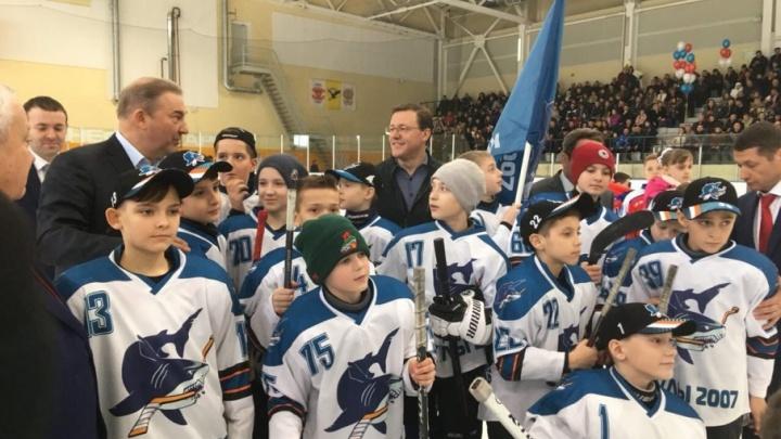 Два в одном: в Сызрани открытие спорткомплекса отпраздновали хоккейным турниром