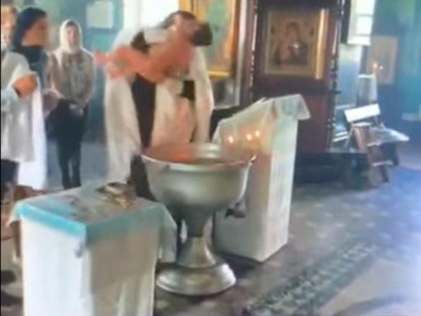 """скриншот видео читательницы """"Фонтанки"""" Анастасии"""