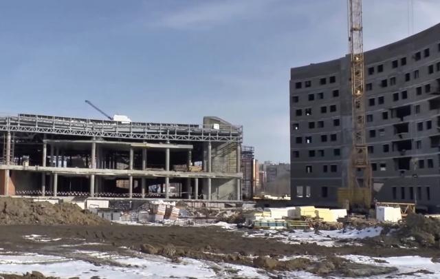Сборка каркаса здания тюменского аквапарка практически завершена