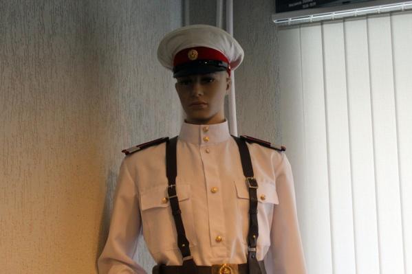 Советская форма сотрудников ГАИ для многих представителей молодого поколения в диковинку