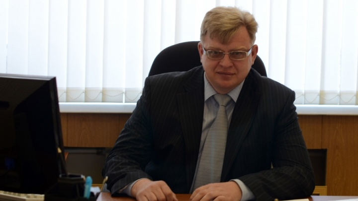 Глава администрации Усть-Донецкого горпоселения пойдет под суд из-за трех лавочек с навесами