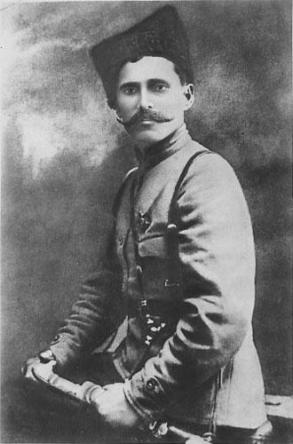 Участник Первой мировой и Гражданской войн, начдив Красной армии Чапаев.