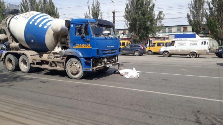 В Самаре у рынка «Норд» бетономешалка сбила двух женщин