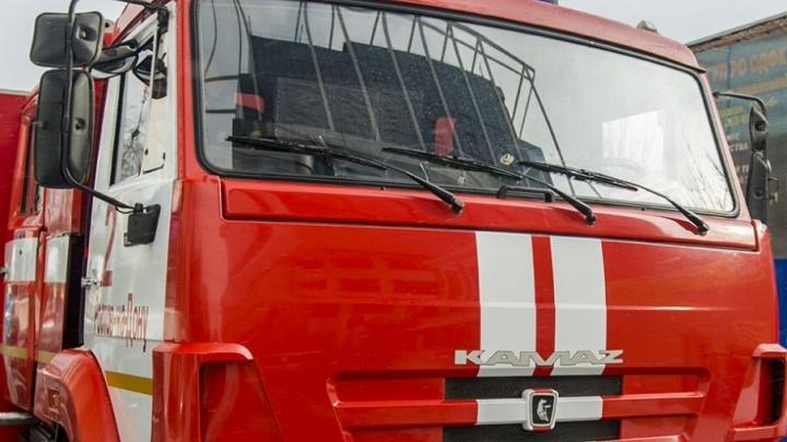 В Ростове потушили пожар в частном доме в Пролетарском районе