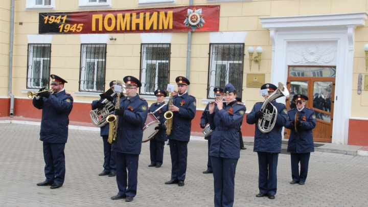 Сегодня в центре города звучали песни Победы