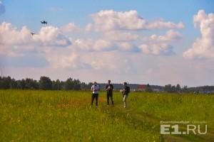 Тренировки екатеринбургских гонщиков на дронах проходят в таких живописных декорациях.