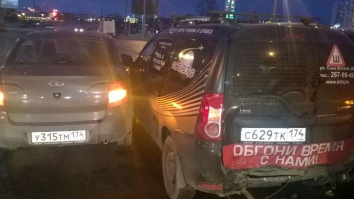 Четыре машины сошлись в ДТП в Челябинске