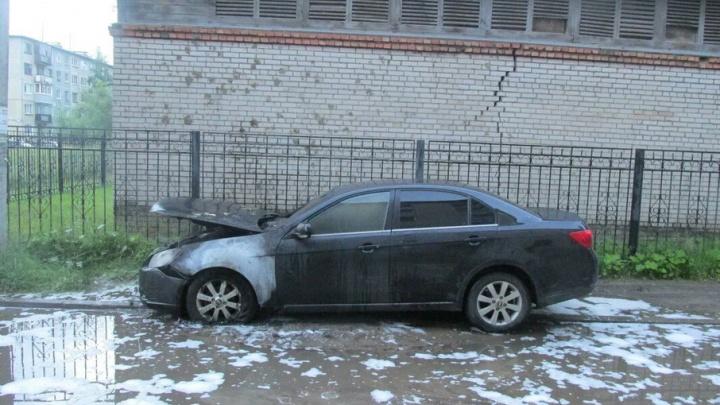 В Новодвинске минувшей ночью подожгли «Шевроле-Эпика»