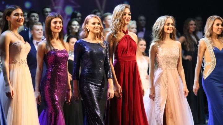 Дефиле в свадебных платьях и танцевальное шоу: в Челябинске выбрали лучших студентов страны