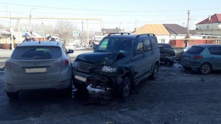 В Челябинске в ДТП сошлись шесть автомобилей