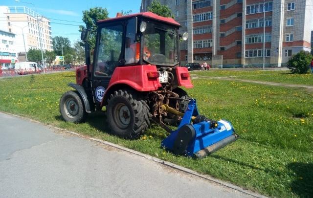 Чтобы убирать улицы Ярославля, закупили новое оборудование