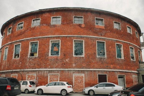 Круглая баня, построенная в 1929-31 годах – один из ныне заброшенных памятников архитектуры