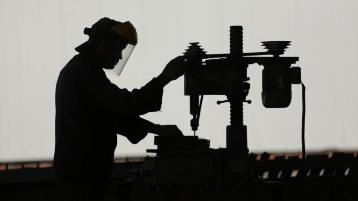 «Страшно, что обустраиваемся на дне»: челябинские машиностроители посетовали на жизнь