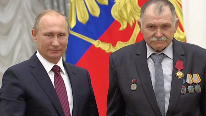 Зимовниковский тракторист удостоился награды от Владимира Путина