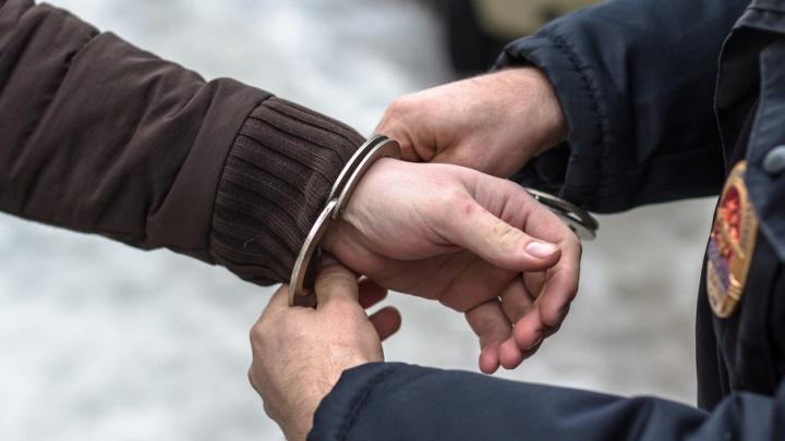 В Новокуйбышевске мужчина столкнул свою подругу с лестницы