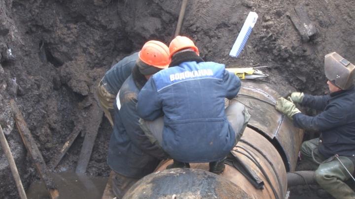 Горячая вода вернулась в дома Ломоносовского и Октябрьского округов
