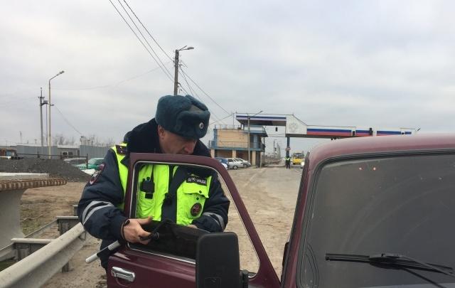 Полицейские заставили избавиться ростовских водителей от тонировки на машинах