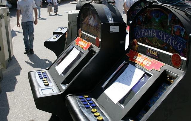 Архангелогородца осудят за организацию азартных игр на автобусной остановке
