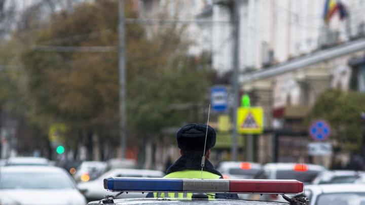 Житель Ростова два дня катался на угнанном авто с украденными номерами