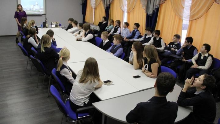 Работники пермского завода «УРАЛХИМ» рассказали школьникам о защите окружающей среды