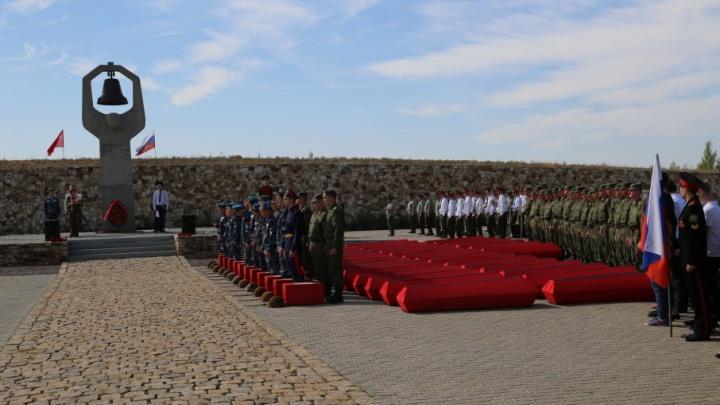 Волгоградцев приглашают отпраздновать 20-летие Россошинского мемориального кладбища